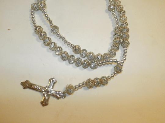 Other NEW BEAUTIFUL NO TAGS Rosary SILVER COLOR SILVER CROSS HANDMADE Image 4