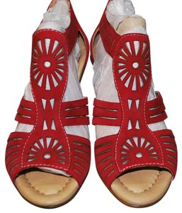 Earth Zip Back Red Sandals