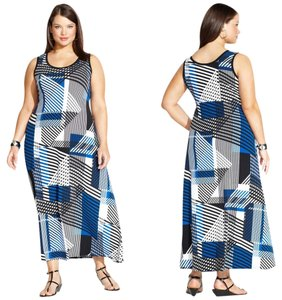 Maxi Dress by Calvin Klein Size 1x Geometric Print