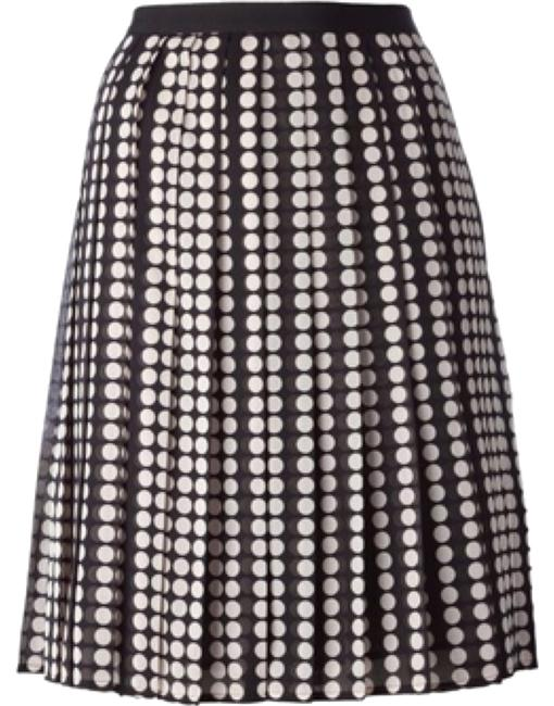 Preload https://img-static.tradesy.com/item/11617684/tory-burch-raisa-skirt-size-4-s-27-0-1-650-650.jpg
