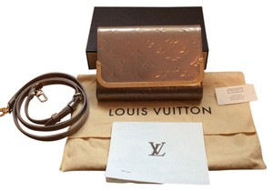 Louis Vuitton Monogram Vernis Pm Poudre Clutch