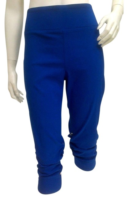 Item - Royal Blue Slimming with Ruched Sides Capris Size 6 (S, 28)