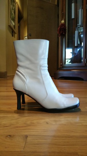 Nine West Off white Boots Image 1