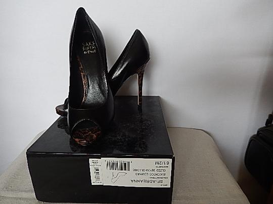 Saks Fifth Avenue Womens Leather Face black Pumps Image 2