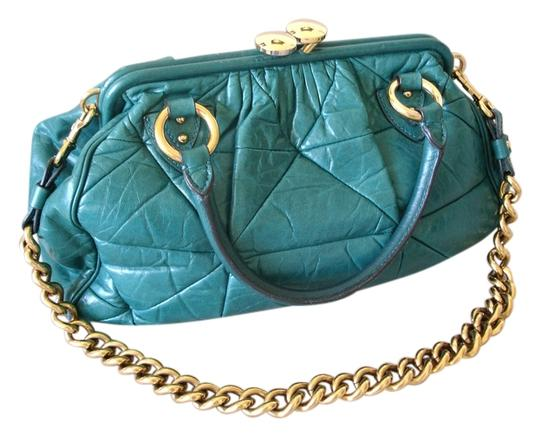 Preload https://img-static.tradesy.com/item/11625175/marc-jacobs-quilted-large-green-leather-shoulder-bag-0-1-540-540.jpg