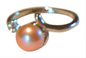 Other Light Pink Pearl Ring W / Rhinestone Accent