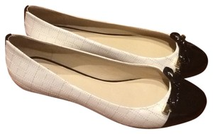 Kate Spade Cap Toe Patent Leather Gold Bow Ivory/Black Flats