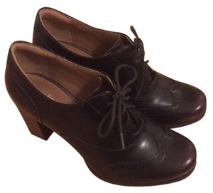 Clarks Dark reddish/brown Pumps
