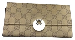 Gucci Gucci original monogram wallet.
