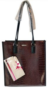 Targus Patent Padded Interior Fashionable Tote in Brown/Black Embossed Croc Print