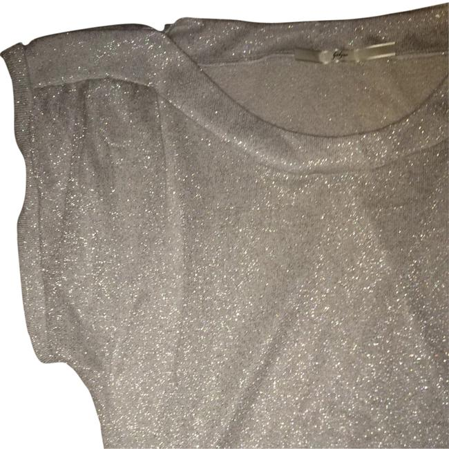 Preload https://item4.tradesy.com/images/gibson-metallic-gray-night-out-top-size-4-s-1163883-0-0.jpg?width=400&height=650