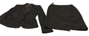 Liz Claiborne Ladies Size 6 Skirt Suit By Liz Claiborne-- Black Lined