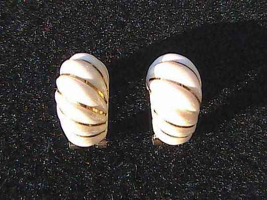 Other Vintage 585 Celluloid Clip On Earrings Image 1