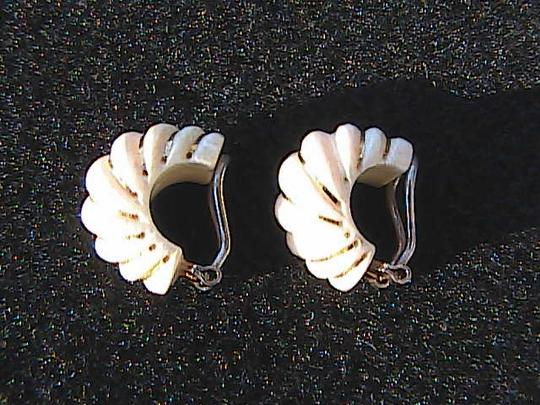 Other Vintage 585 Celluloid Clip On Earrings Image 3