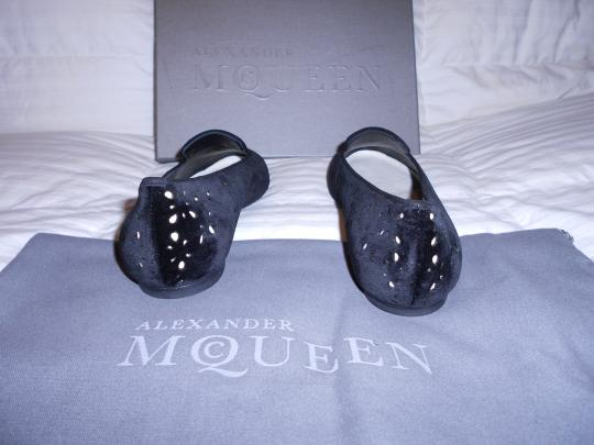 Alexander McQueen Cut Out Design Made Sophisticated Made In Italy Black Flats Image 4