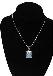 Other Sterling Silver Shell Pendant Necklace 18 in. A102