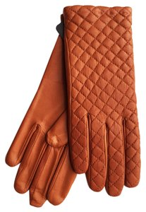 Hilts-Willard Quilted Sheepskin Gloves, Tan, M