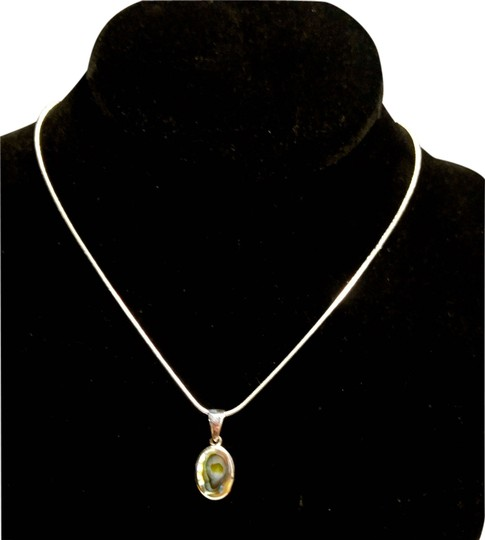 Preload https://img-static.tradesy.com/item/11652967/silver-gray-purple-blue-hues-sterling-abalone-shell-pendant-in-a104-necklace-0-2-540-540.jpg