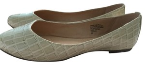 Nine West Bone beige Flats