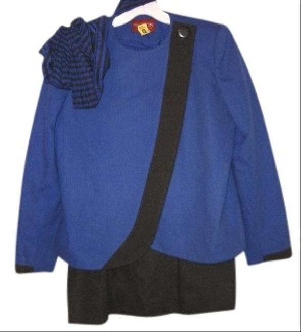 Preload https://item1.tradesy.com/images/royal-blueblack-royalblue-blk-wool-w-scarf-skirt-suit-size-10-m-116555-0-0.jpg?width=400&height=650