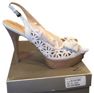Marc Fisher White leather Platforms
