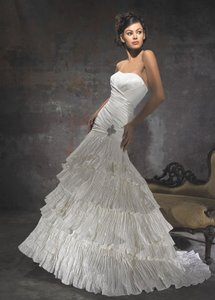 Allure Bridals Allure Couture C111 Wedding Dress
