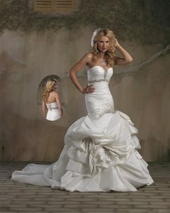Forever Yours 4880 Wedding Dress