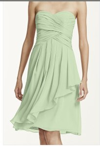 David's Bridal Light Green (Meadow) Chiffon Feminine Bridesmaid/Mob Dress Size 10 (M)
