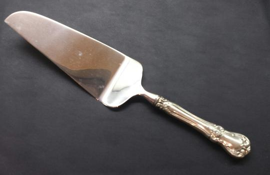Towle Old Master Pie And Cake Server Sterling