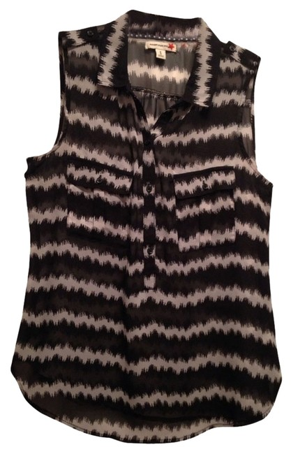 Preload https://img-static.tradesy.com/item/1166431/old-navy-black-and-white-comfortable-casual-chic-tank-topcami-size-8-m-0-0-650-650.jpg
