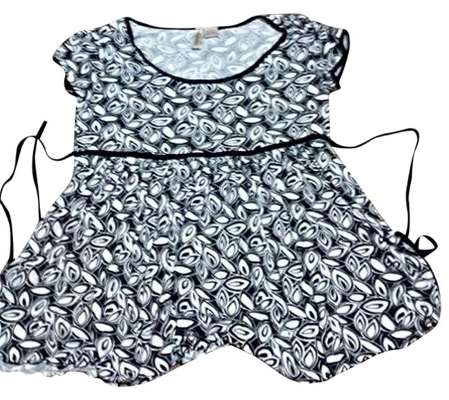 Preload https://item5.tradesy.com/images/susan-lawrence-black-and-white-baby-doll-blouse-size-2-xs-1166584-0-1.jpg?width=400&height=650