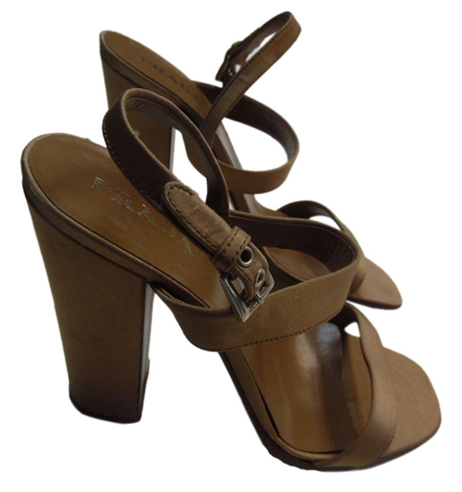 Prada Light Brown Pumps Italy Sandals Sandals Italy 925691