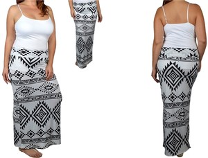 URIM APPAREL Maxi Skirt Black
