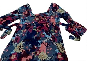 New York & Company Top flower
