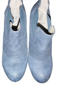 Vince Camuto Half light .gray Boots
