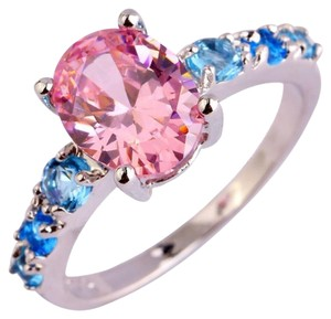 9.2.5 Gorgeous pink and blue topaz princess ring size7.