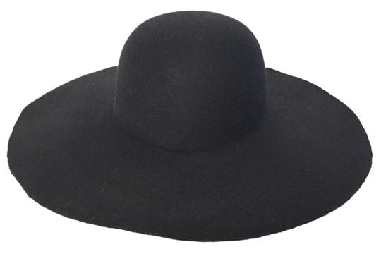 Preload https://img-static.tradesy.com/item/11671531/black-felt-wide-brim-hat-0-1-540-540.jpg