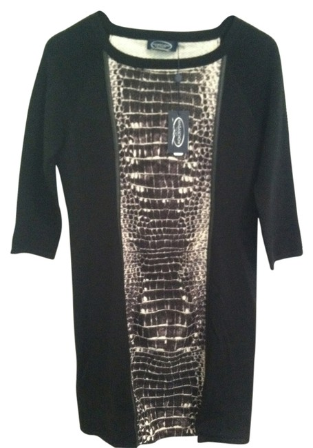 Preload https://img-static.tradesy.com/item/11674333/magaschoni-black-ivory-34-sleeve-above-knee-workoffice-dress-size-6-s-0-1-650-650.jpg