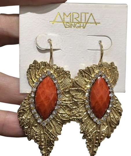 Preload https://img-static.tradesy.com/item/11674432/coral-gold-leaf-earrings-0-1-540-540.jpg
