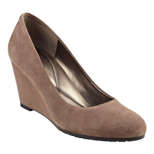 Easy Spirit 10 Dark Taupe Suede Wedges