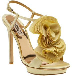 Badgley Mischka Gold Pumps