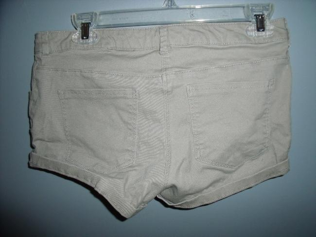 H&M Embroidered Tribal Native Cuffed Shorts Beige, Green, White, ...