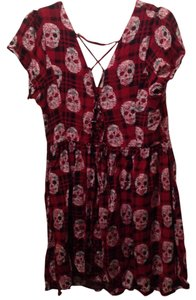 Hot Topic Top Red