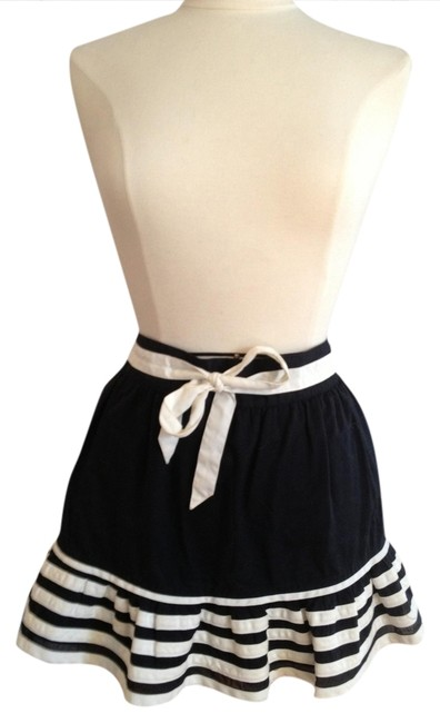 Preload https://item5.tradesy.com/images/marc-by-marc-jacobs-black-and-white-and-striped-mini-with-bow-skirt-size-6-s-28-1167939-0-0.jpg?width=400&height=650