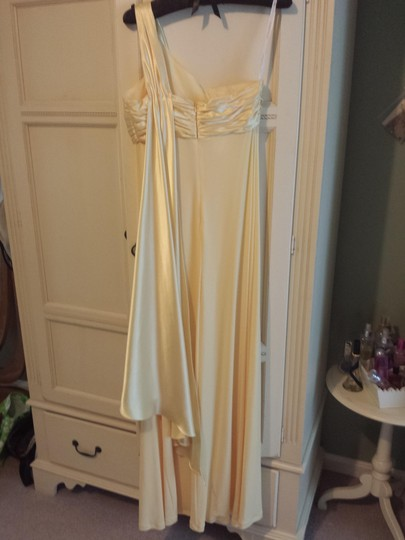 David's Bridal Canary F13185 Dress