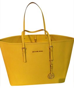 Michael Kors Mk Saffiano Saffiano Travel Tote in Citrus/Yellow