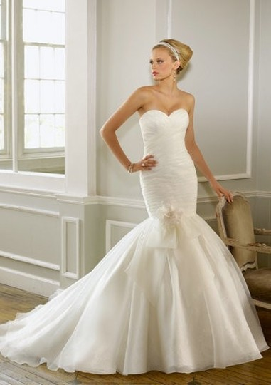 Mori Lee Ivory Organza 1602 Modern Wedding Dress Size 10 (M)