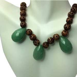Artistry Jade Teardrops NECKLACE