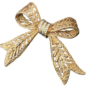 See picture signed piece Rhinestone Big Ribbon brooch