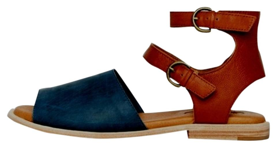 Gee Color WaWa Navy Whiskey Lily Too Bi Color Gee Padded Insole Hip Sandals 3ead3a